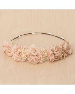 Corona con tocado de flores texturizadas y flor seca