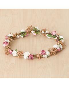 Corona con delicada guirnalda de pequeñas flores y paniculata