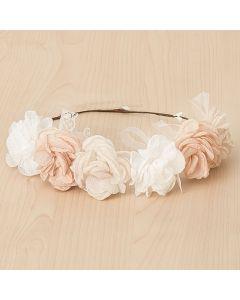Corona con flores combinadas y cintas de muselina