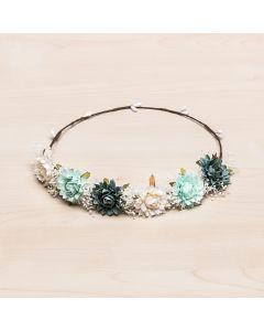 Corona tiara de dalias combinadas y gypsophila