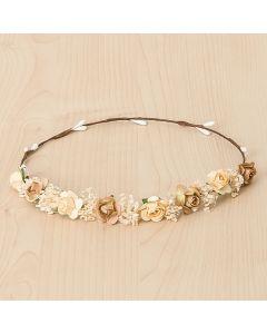 Corona con pequeñas flores y paniculata