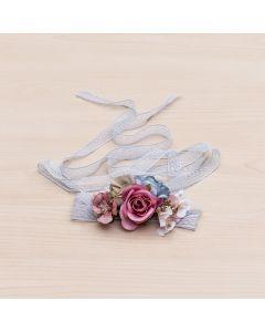 fajin para comunion o boda con tiras de encaje azul y flores en tonos frios