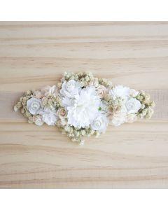 Fajín con tocado de flores y manzanilla Crudo