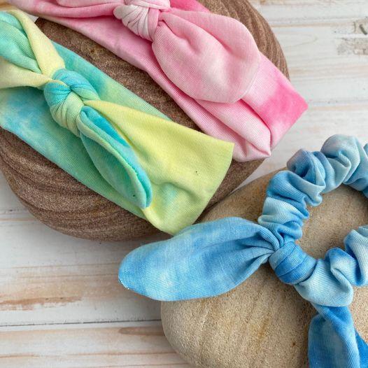 turbantes tie-dye y scrunchie